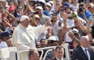 Pope at audience: God's unconditional love gives hope