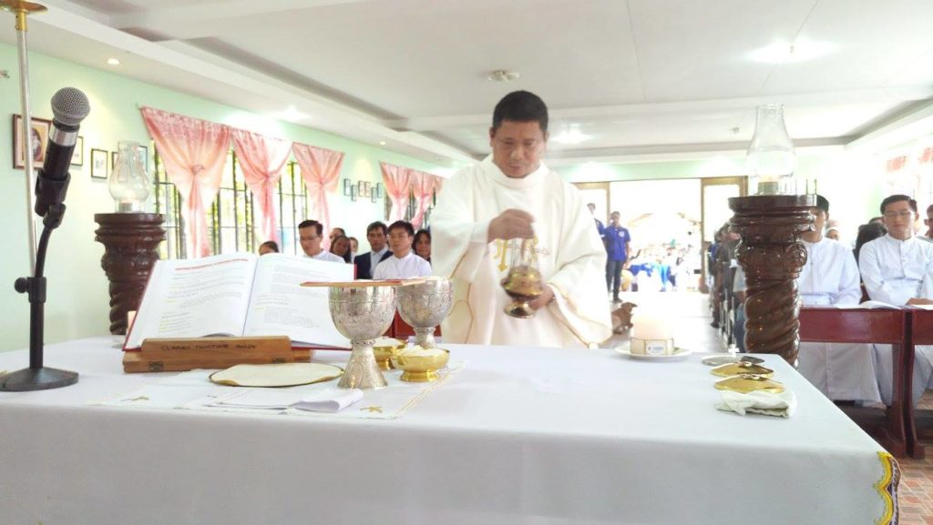priest-filcatholic-priesthood