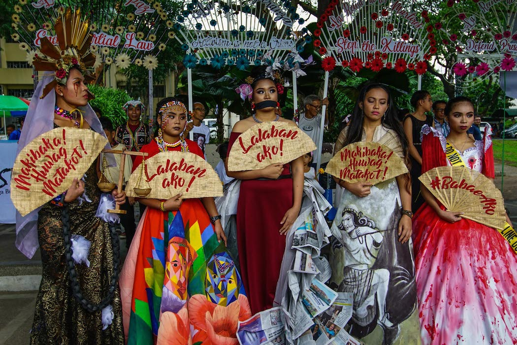 Filipinos hold Marian procession to protest rights abuses