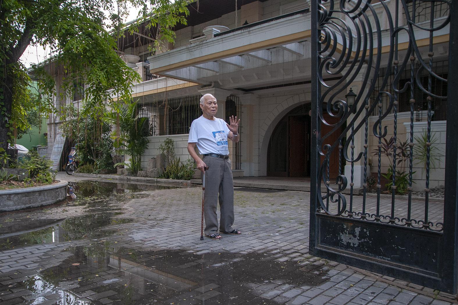 Oldest Filipino bishop dies at age 96