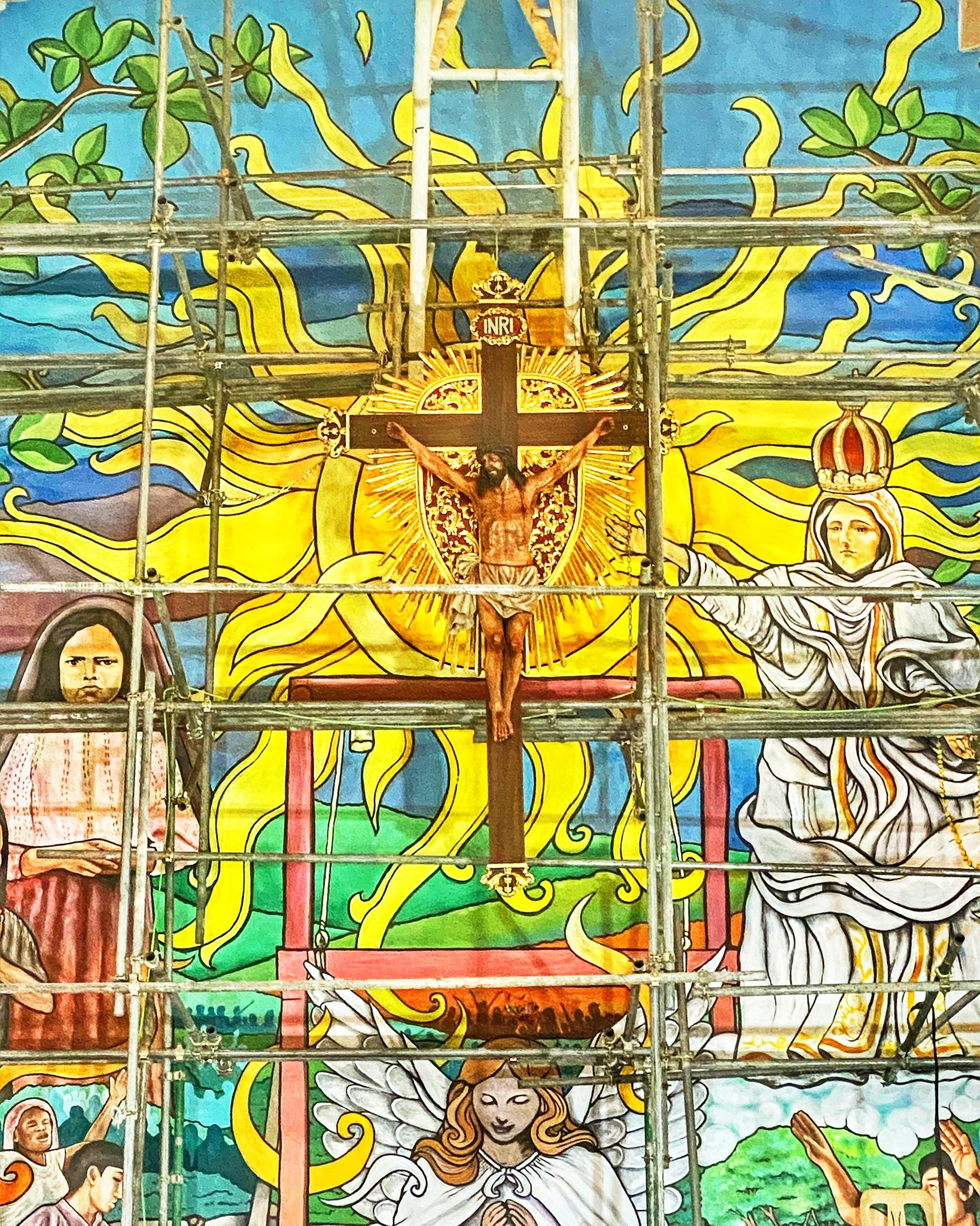 DIOCESE OF NOVALICHES UNVEILS BIGGEST ALTAR MURAL IN THE PHILIPPINES AS TRIBUTE TO COVID-19 FRONTLINERS