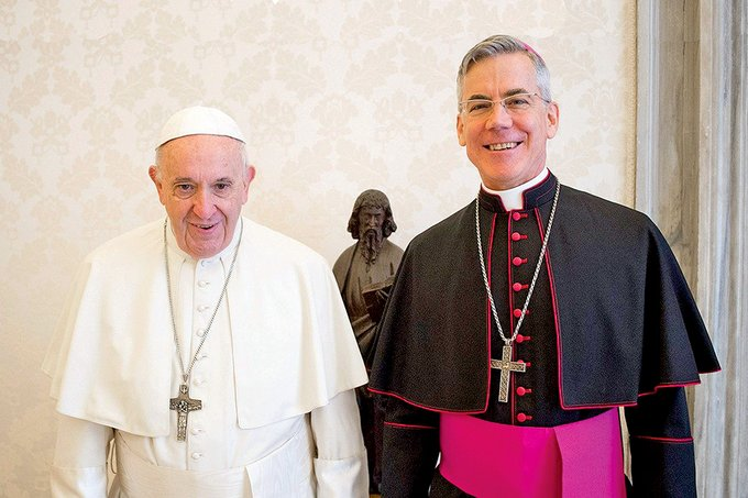 Pope meets new envoy to Philippines