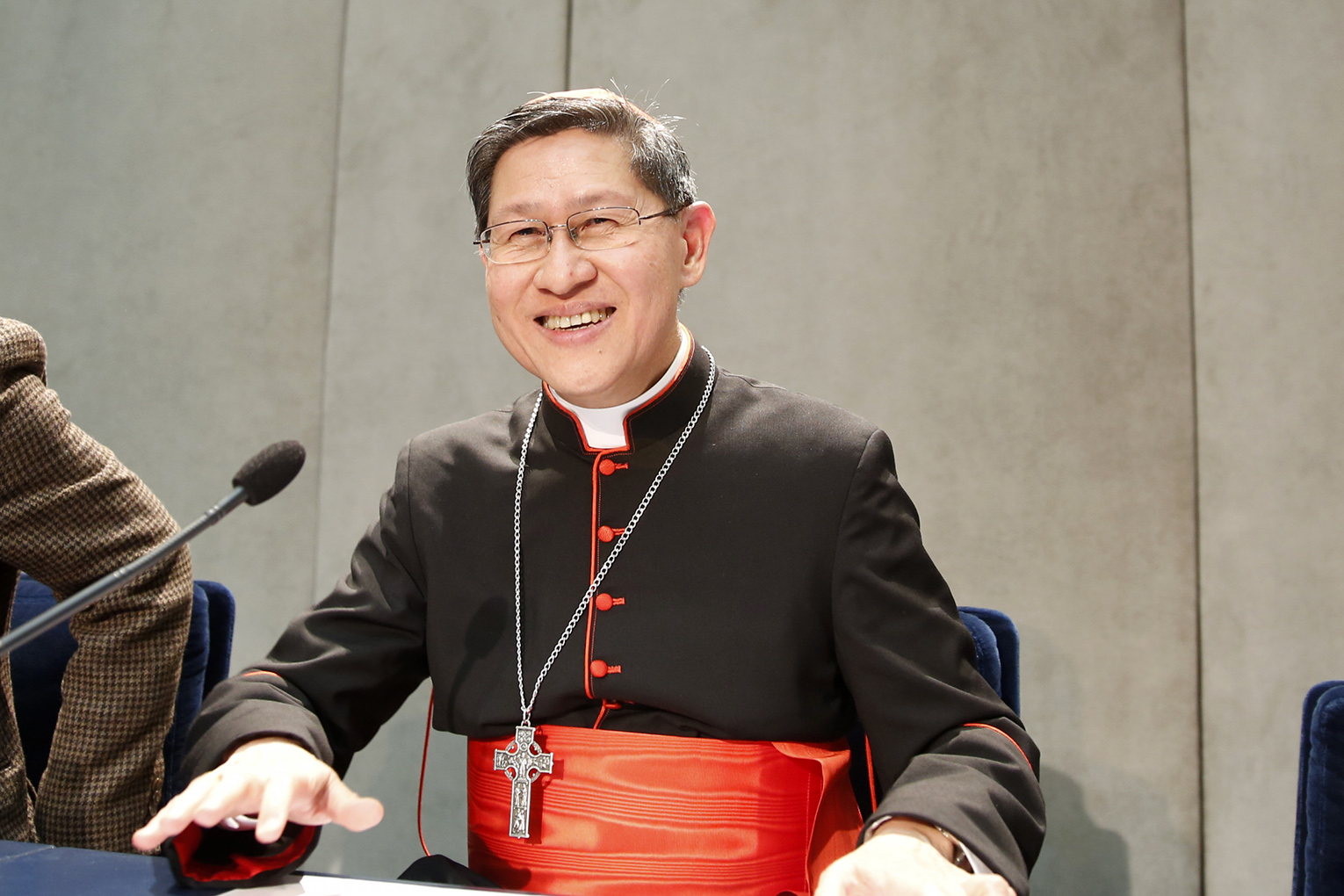 Pope names Cardinal Tagle to Eastern Churches congregation