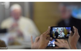 Pope's Prayer Intention: For children and families in difficulty – March 2016